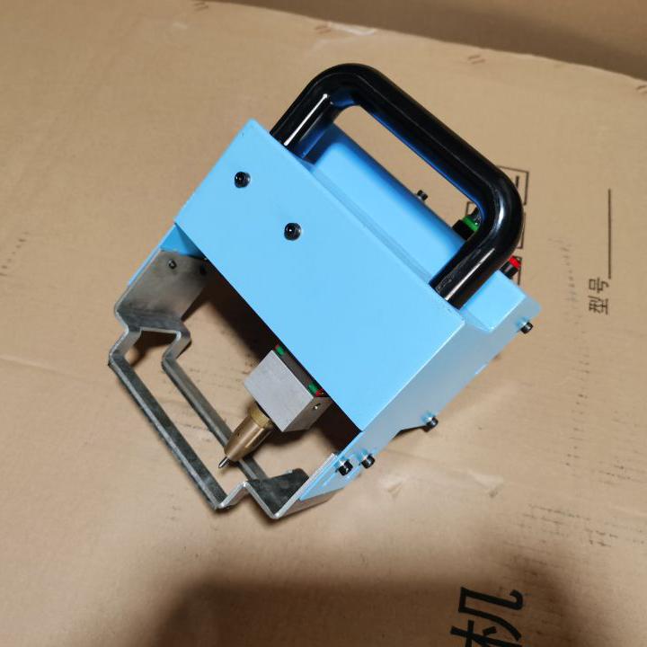 磁吸式气动打码机 济南轩一 车架钢印号打码机 车管所专用汽车大架号打号机